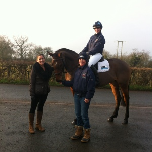 Rachel Nolloth (HCR), Theresa Morris (TreehouseSporting Colours) and Holly Bradshaw on Dolly Tess.jpg
